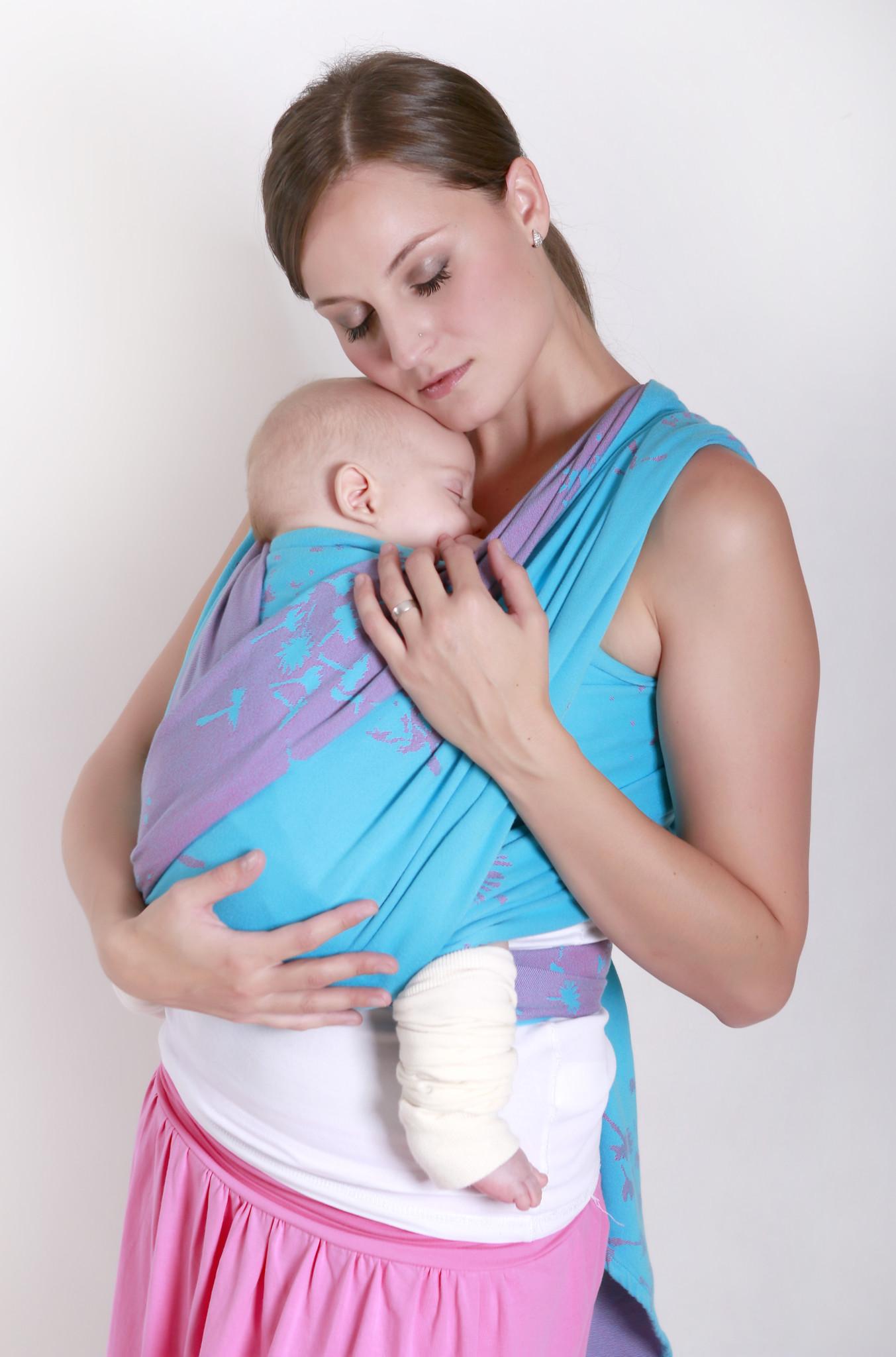 Výsledek obrázku pro šátek na nošení dětí